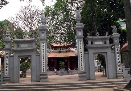 cho thuê xe ở tại Thanh Hóa- đền Đồng Cổ
