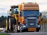 Vieslkedés a kamionokkal, nagytestűekkel szemben
