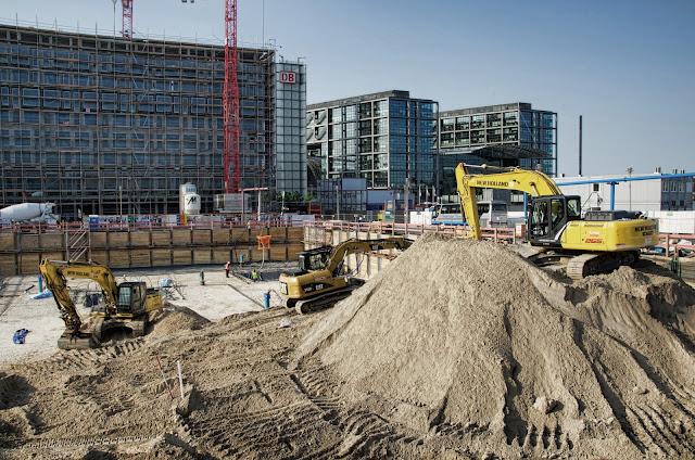 Baustelle Agnes-Zahn-Harnack-Straße 1, 10557 Berlin, 09.07.2013