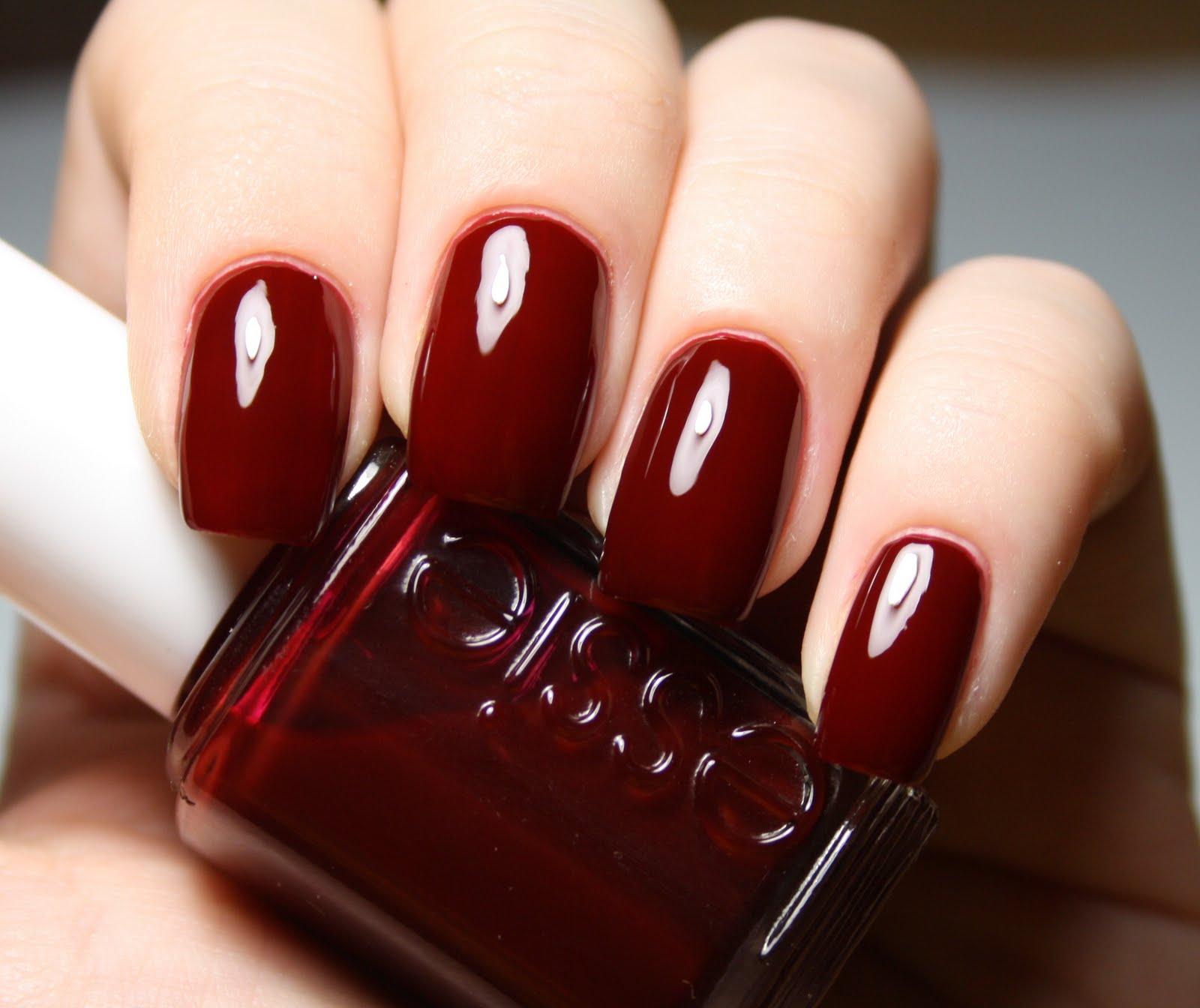 Vique\'s Varnish: Essie Poor Lil Rich Girl
