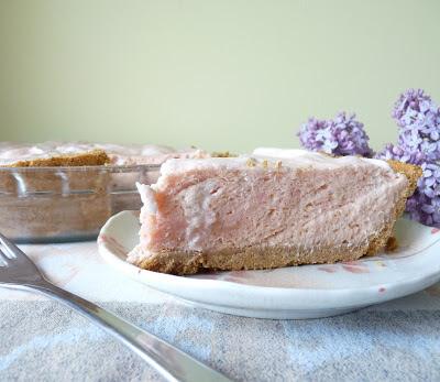 Rhubarb Mousse Pie