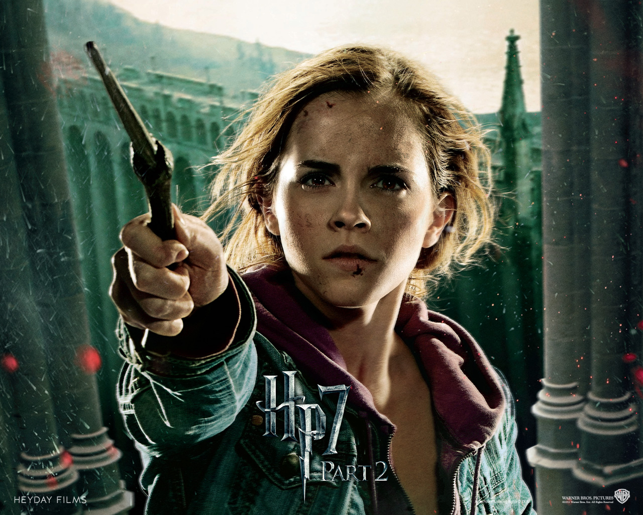 emma watson in deathly hallows wallpapers - Emma Watson in Deathly Hallows For Desktop