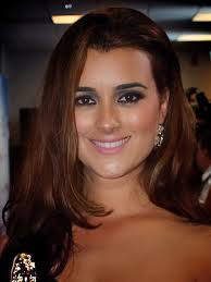 Cote de Pablo Height - How Tall