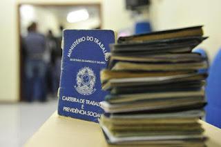União pretende economizar R$ 9 bi atrasando pagamento do PIS-Pasep