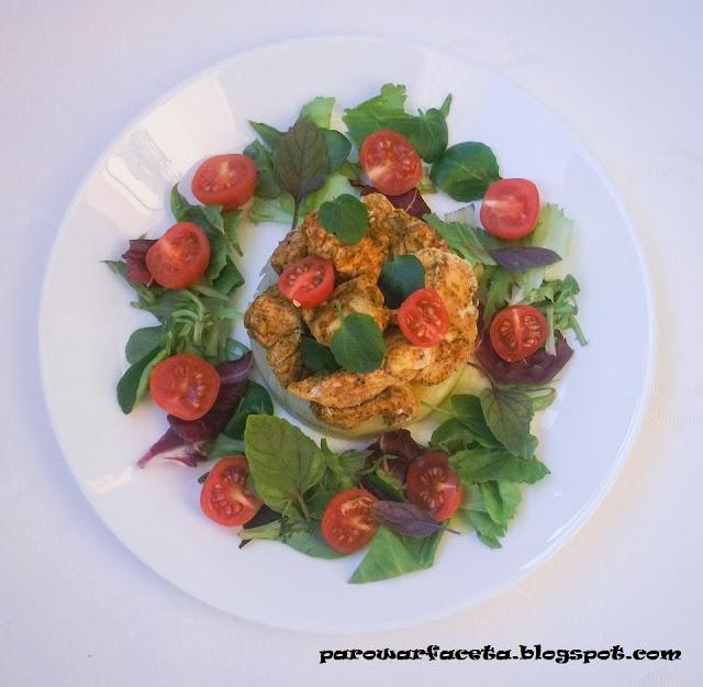 pomysł na obiad z kurczakiem i warzywami oraz mixem sałat