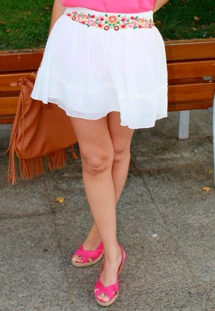 falda de gasa bordada