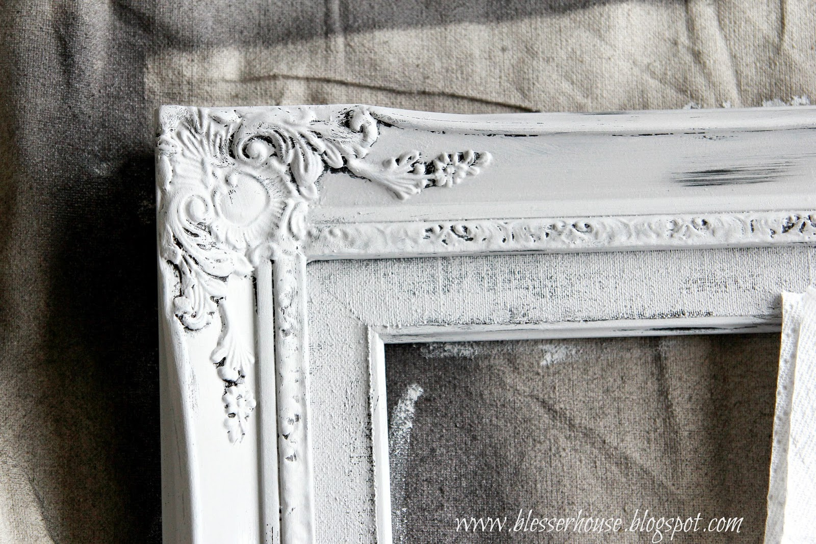 4 Thrifted Frames, 1 Easy Distress Technique - Bless\'er House
