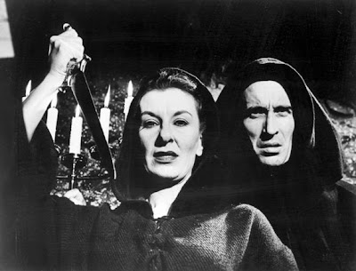 Christopher Lee y Patricia Jessel en Horror Hotel