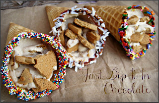 Cookies and Cream Cannoli Cones Recipe, make this classic Italian dessert your own by adding almond cookies to the sweet and creamy filling, Make it on the go, by serving it on waffle cones, Refreshing summer sweetness in a cone!