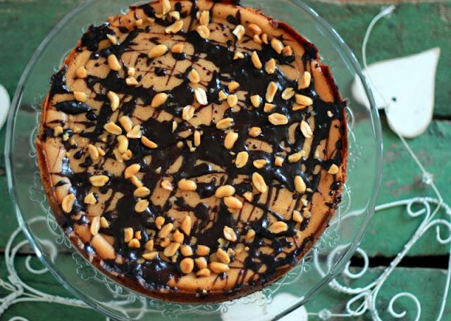 Cheesecake cu ciocolata si unt de arahide