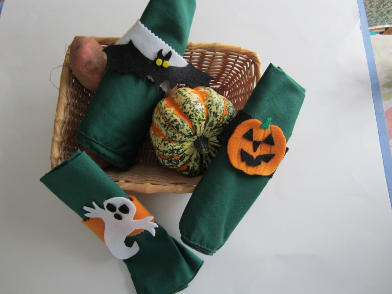 halloween napkin holders a fun fast and easy halloween decoration that kids can help to make