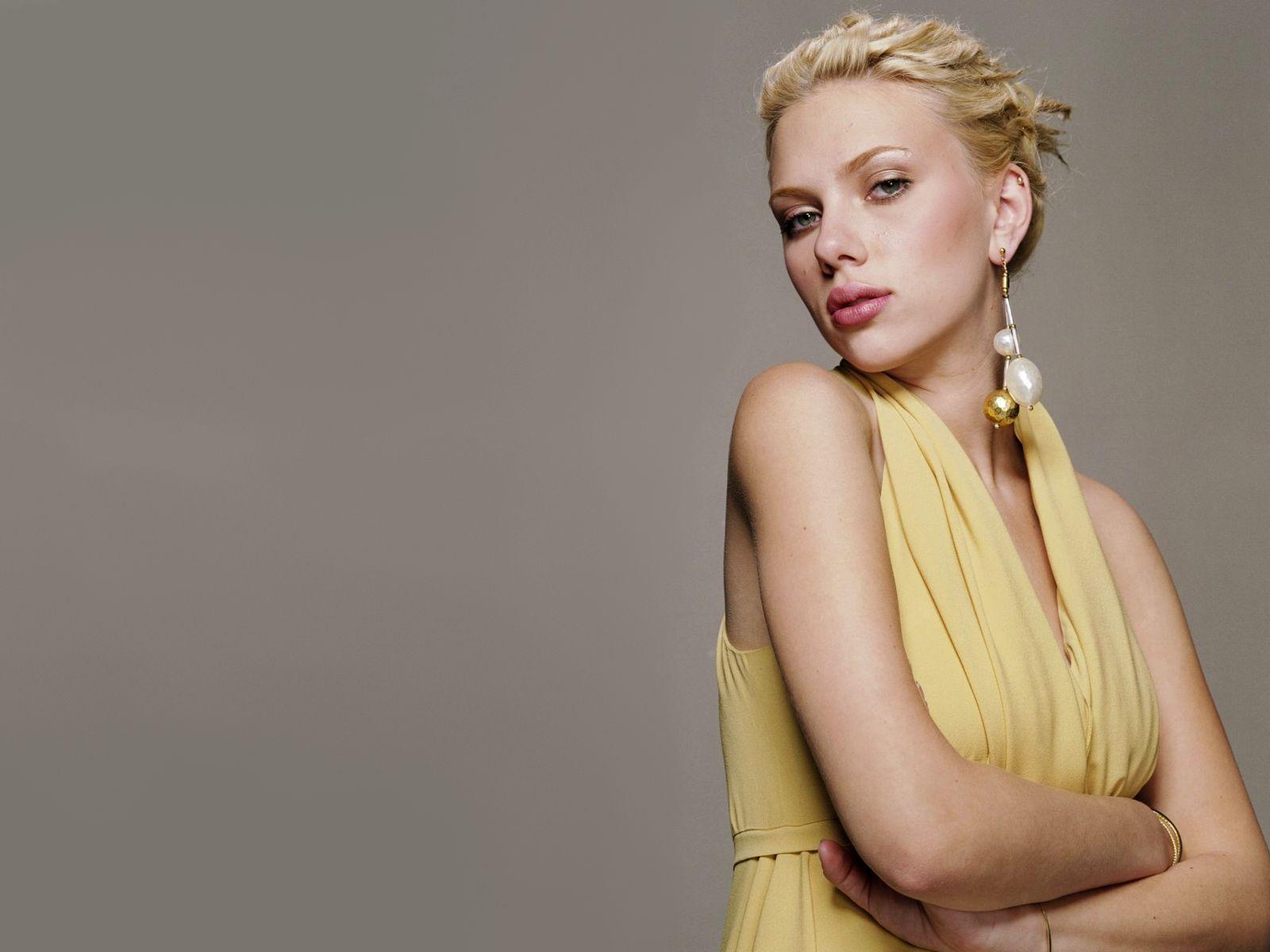 http://1.bp.blogspot.com/-o7X66rcDwcA/T-PfFOZmuUI/AAAAAAAADMs/_t_ApqNbiHw/s1600/Scarlett+Johansson+04.jpg