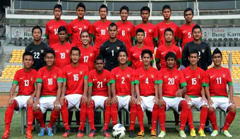 Enam Anggota Timnas Sepakbola Masuk Tentara Jalur Prestasi