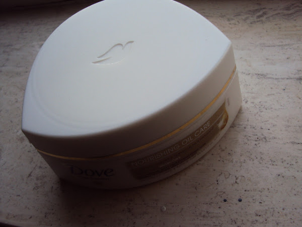 Dove nourishing oil care haarmasker.