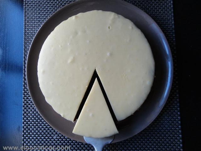 Tarta de chocolate blanco y mermelada de frambuesa