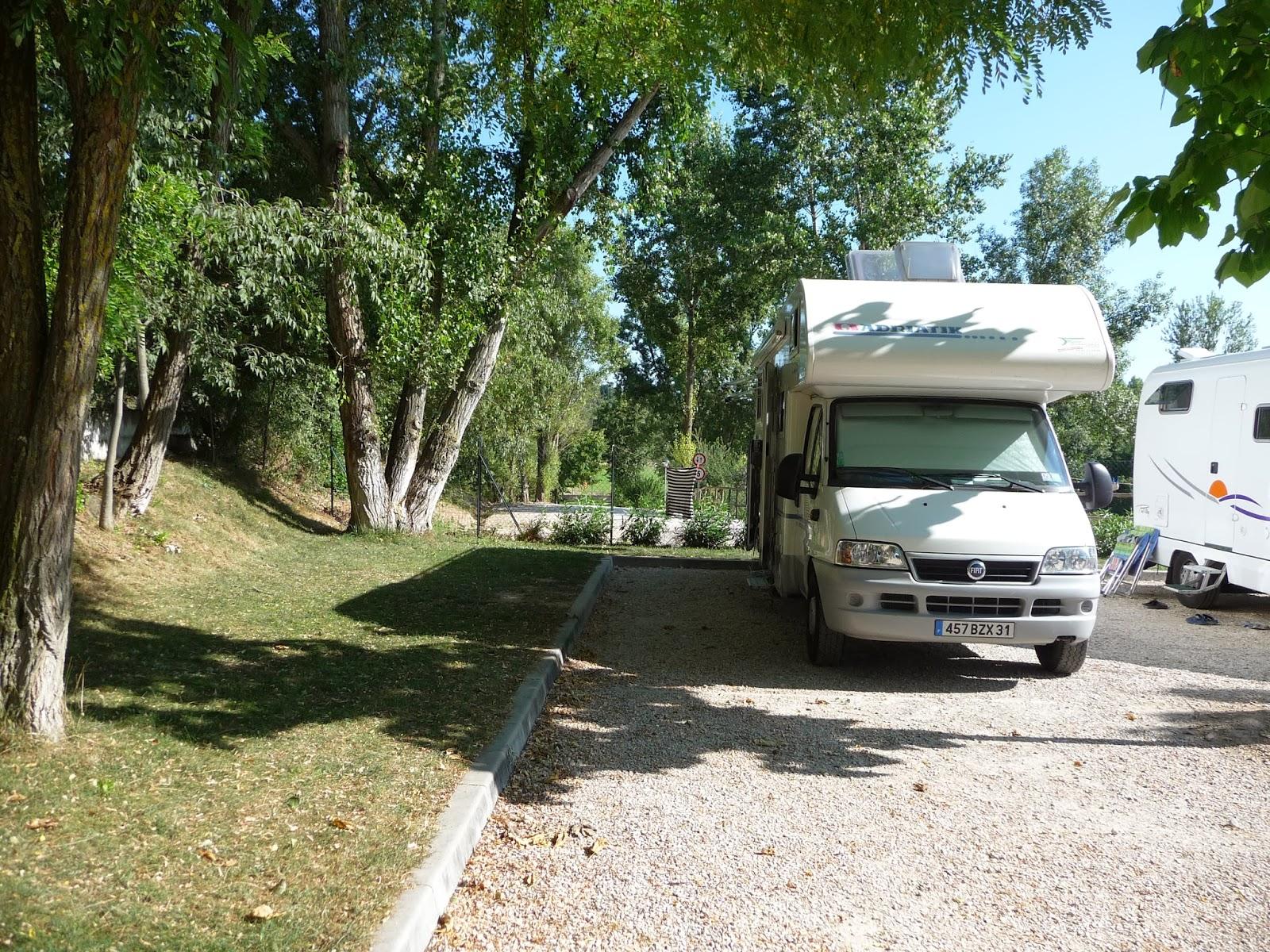 evasion en camping car italie du nord 2010. Black Bedroom Furniture Sets. Home Design Ideas