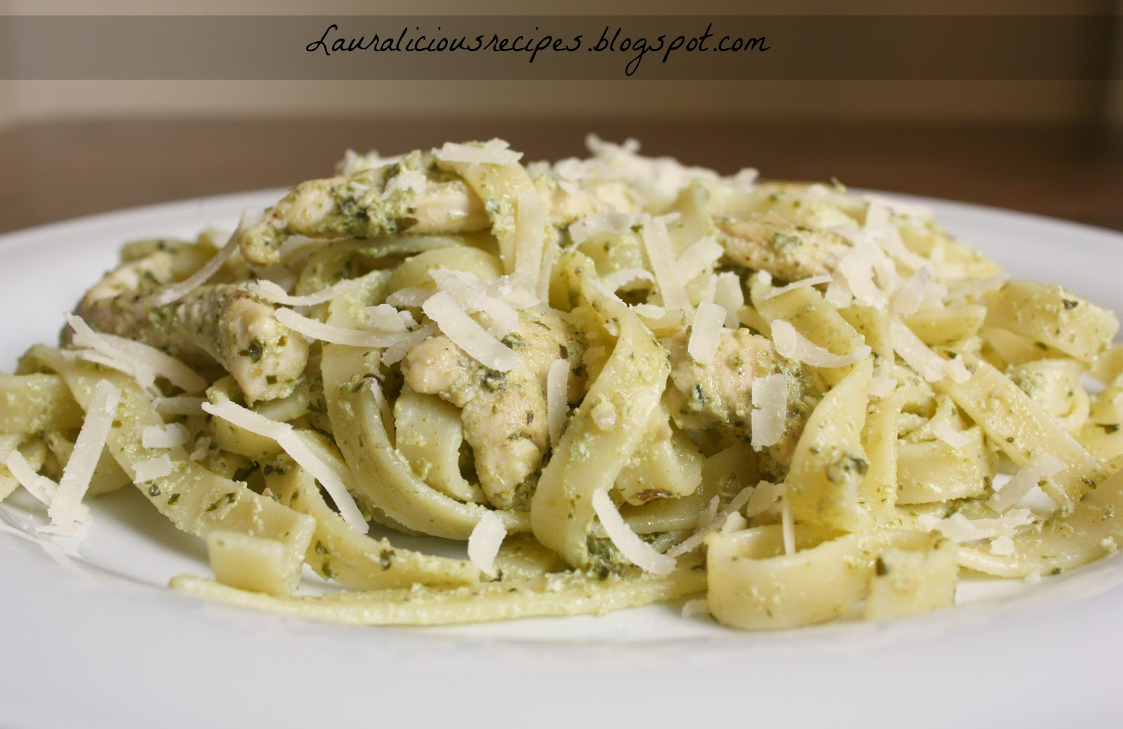 Lauralicious Recipes: Pasta pesto with ricotta and chicken