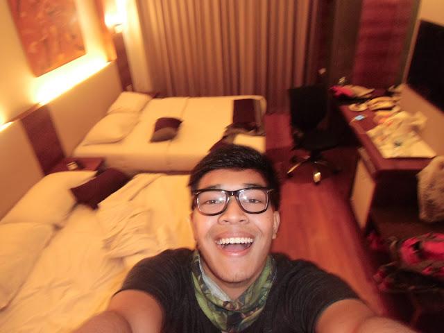 kamar gue di hotel grand cemara