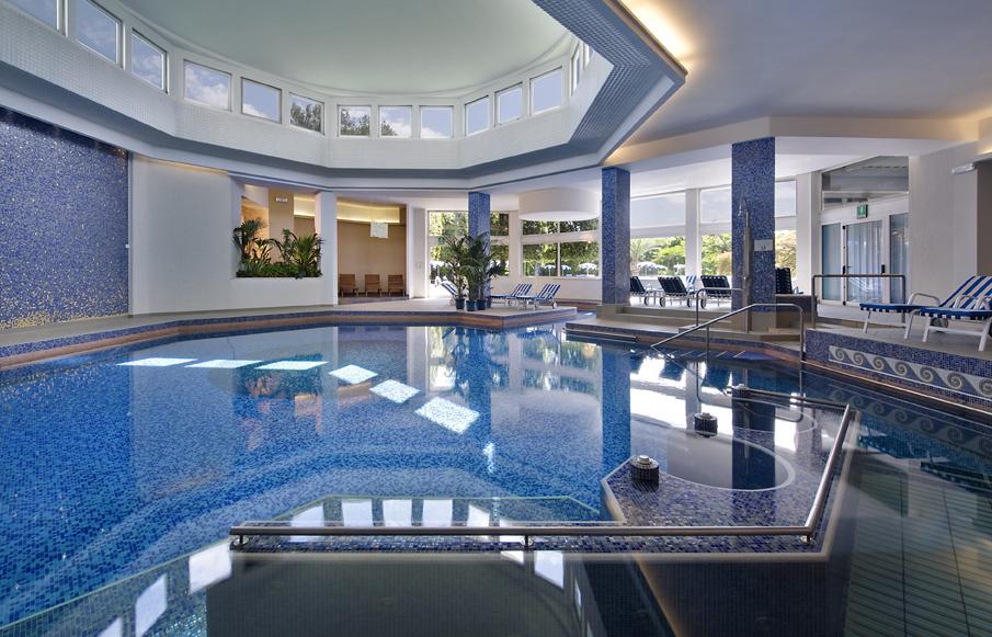 Terme salute grand hotel terme di montegrotto terme tra wellness e tradizione - Montegrotto terme piscina ...