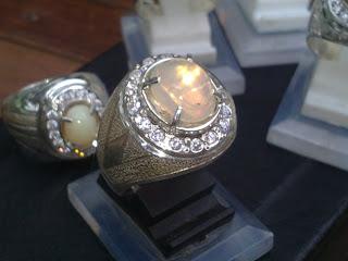 batu natural opal afrika