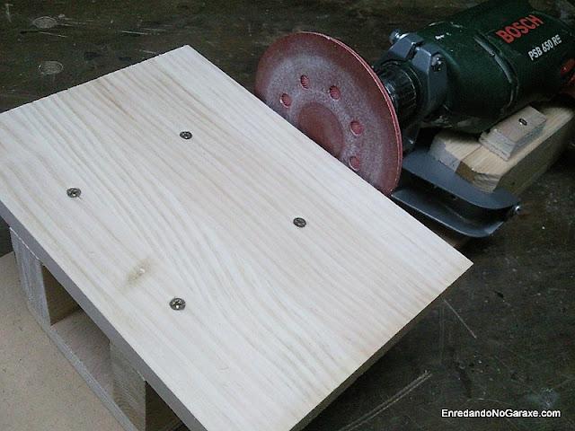 Hacer lijadora de disco con un soporte para taladro. www.enredandonogaraxe.com