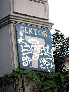 Grafiti Gerbang Menteng