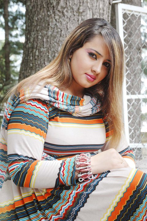 Pashto film drama Actress and model Nadia Gul hot pictures wallpapers