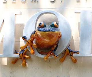 MOLA Frog Sculpture