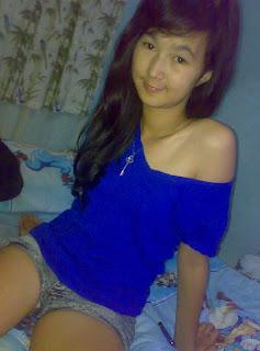 Cerita Dewasa : Hilangnya Keperawanan Gadis PKL - http://lintasjagat.blogspot.com/