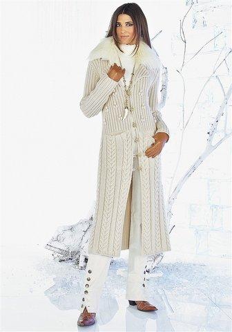 Сама вязаного пальто крючком.