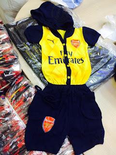 gambar desain baj bayi liga inggris terbaru musim depan Jumsuit Arsenal away terbaru musim 2015/2016 di enkosa sport toko online terpercaya lokasi di jakartra