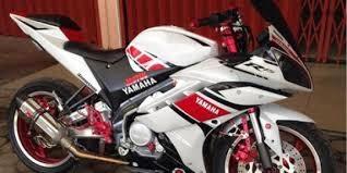 modifikasi motor yamaha yzf-r15 white blue