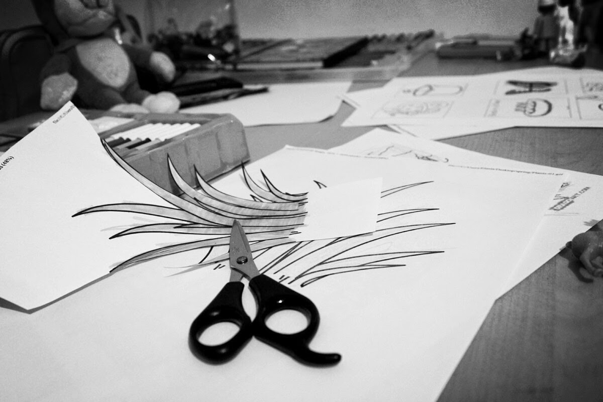 cutting and colouring, spring, art project, todaymyway.com