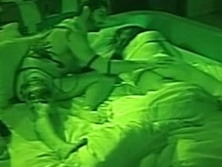 Yuri e Laisa fazendo sexo dentro da casa do BBB12
