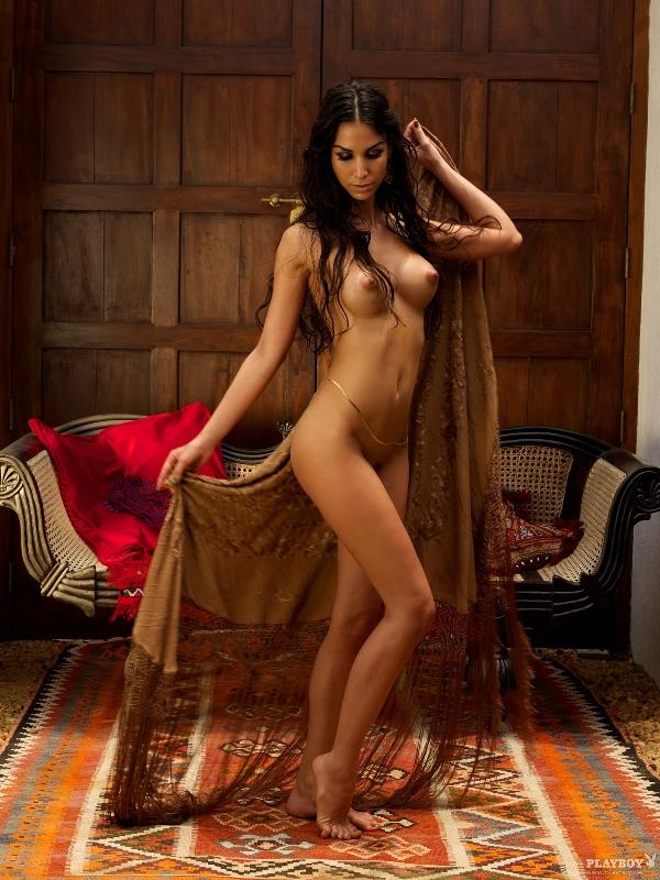 foto-golih-znamenitosti-turetskih-zvezd