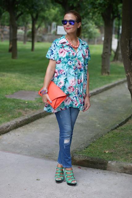 Kenzo flower print, Oakley mirror sunglasses, green sandals, Zara orange clutch, Fashion and Cookies, fashion blog