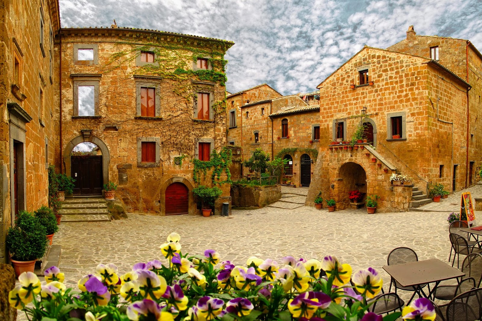Civita di Bagnoregio: the dying city