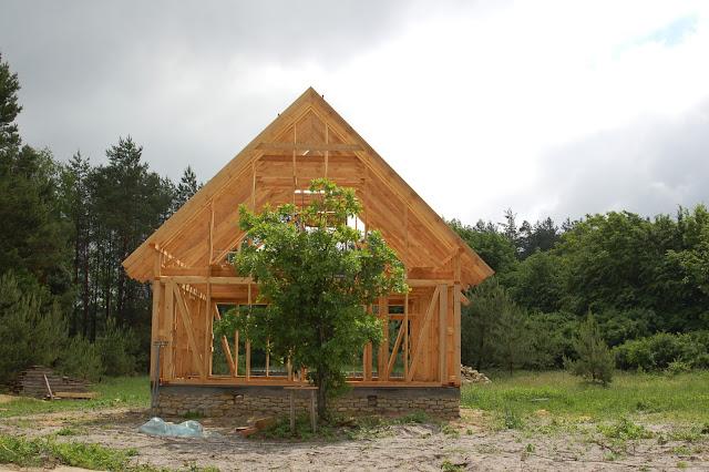 Kto-buduje-dom-drewniany