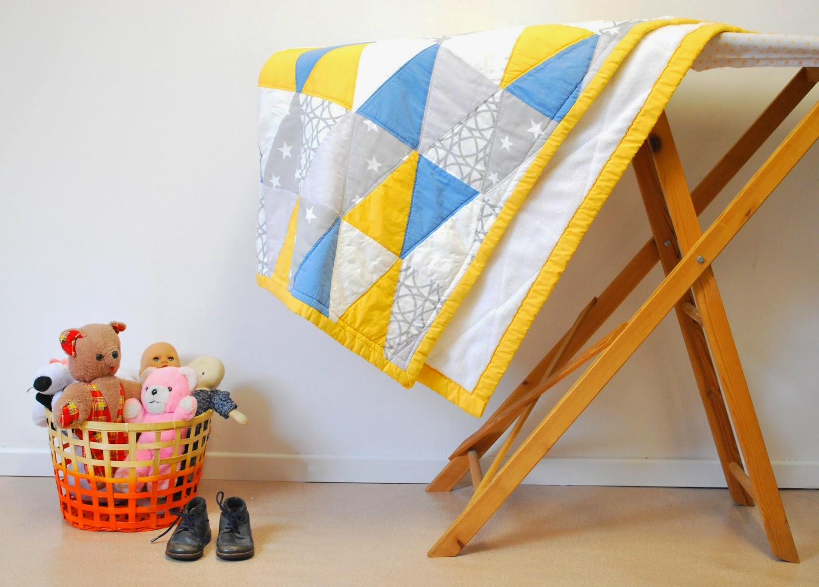 Baby triangle quilt - babydekentje