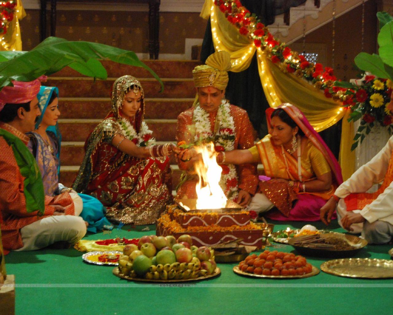 http://1.bp.blogspot.com/-oADyloUvdHk/T5A_Vhki2_I/AAAAAAAAAjo/TbZy-WIBDMY/s1600/39560-gayatri-and-naresh-wedding-ceremony.jpg