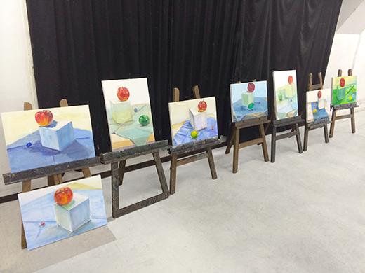 横浜美術学院の中学生教室 美術クラブ アクリルで描く「静物着彩」7