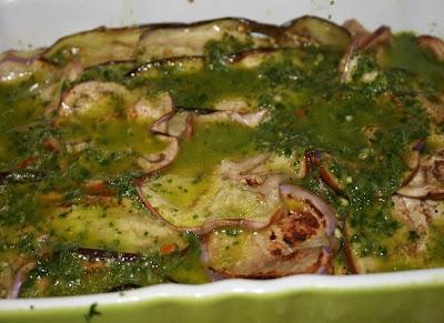 contorni - melanzane (o zucchine) grigliate con salsa verde