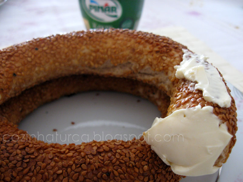 Roscas de Sésamo com Queijo-Creme (Krem Peynirli Simit)