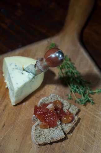 CASHEL BLUE CHEESE with TOMATO &amp; APPLE CHUTNEY