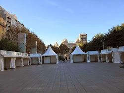La plaça de la Llibertat preparándose para la Fira del Oli - Siurana