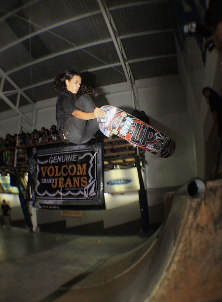 onboardsk8: VOLCOM BRAND JEAN COSTA RICA Y COLOMBIA TOUR ...