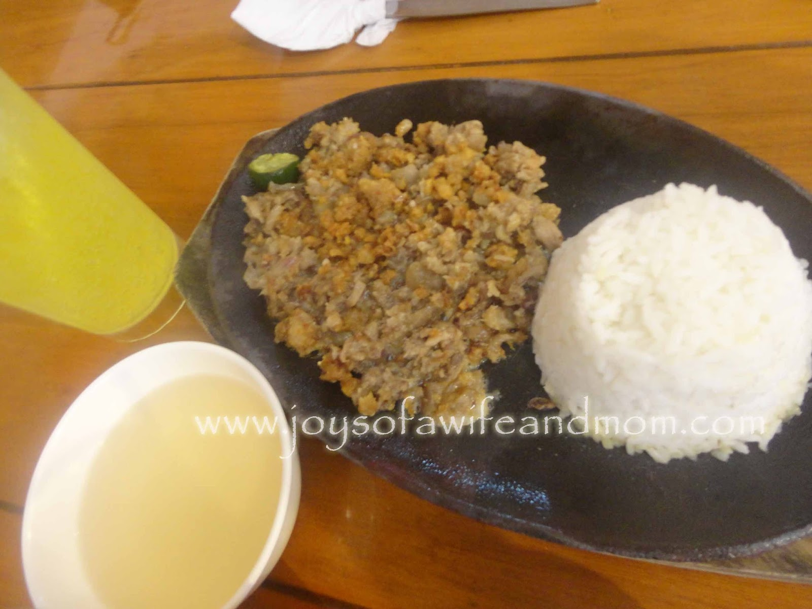Lechon Sisig at Chick-Boy