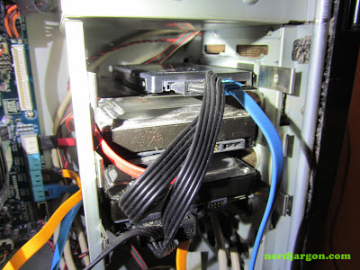 OCZ VTX3MI-25SAT3-240G Vertex 3 SSD mounted in Antec 900 case