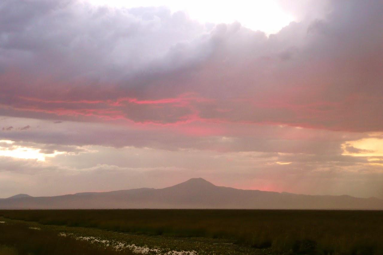 high desert, eastern Oregon, Crater Lake, Mt. Scott, thunderstorm, sky, red clouds