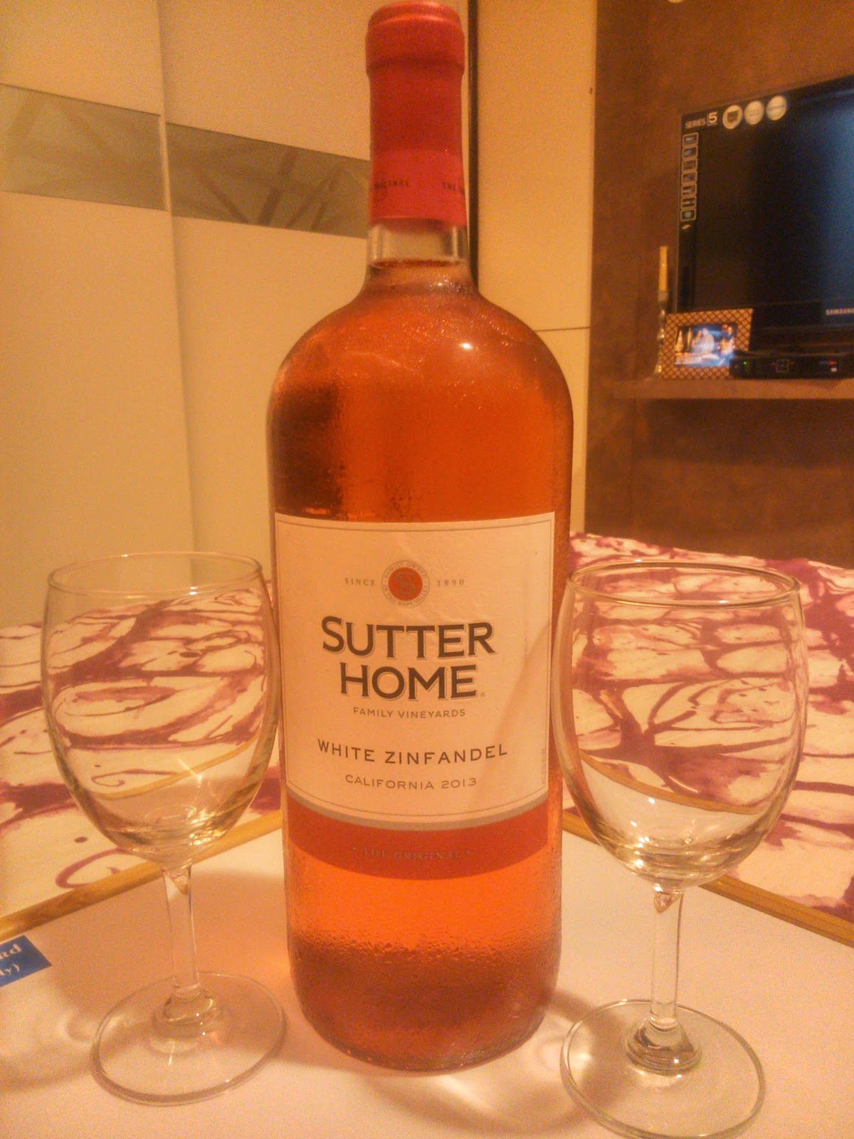 Wine Review: Sutter Home White Zinfandel California 2013
